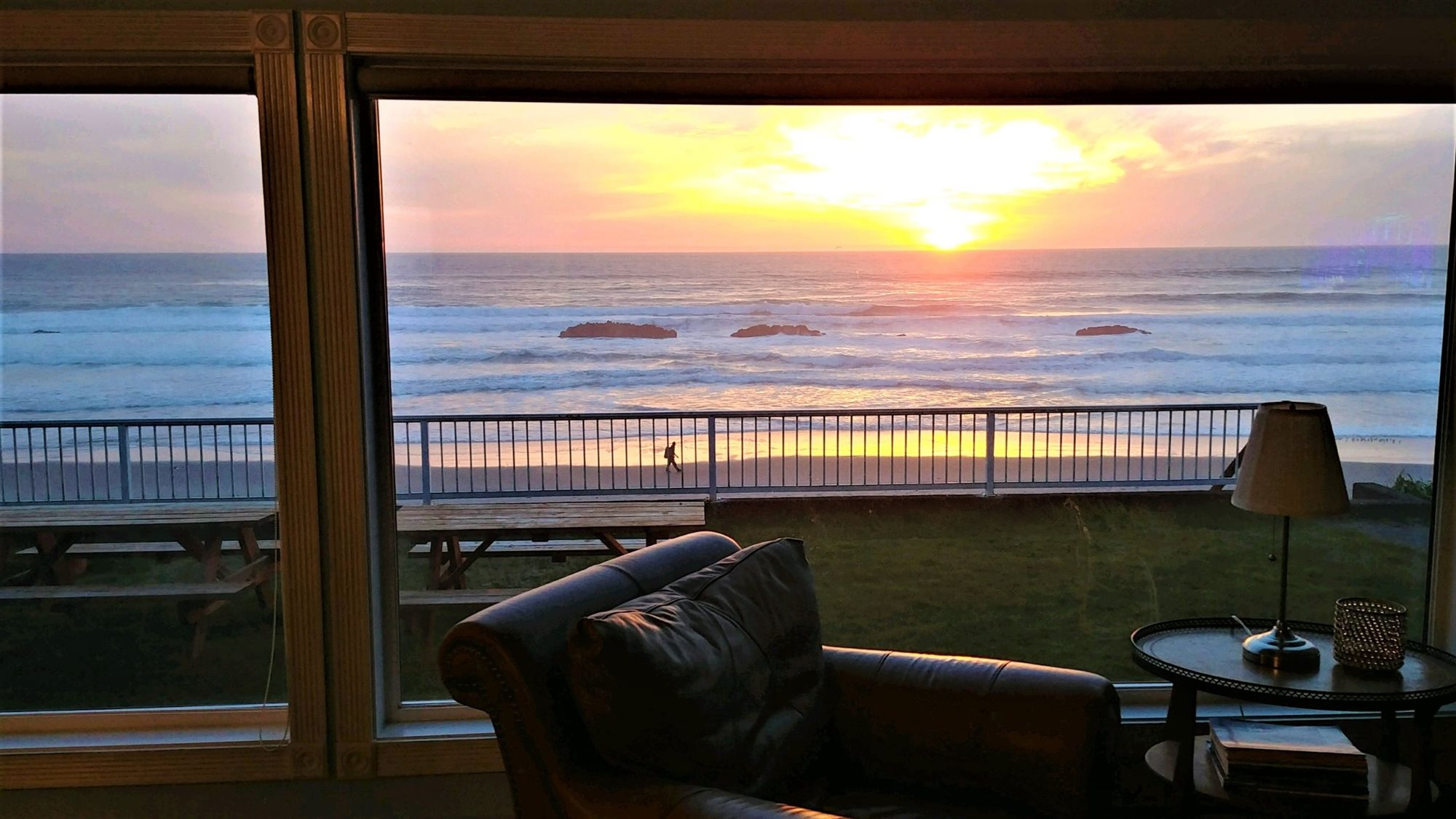 Oceanfront Hotel in Lincoln City Oregon | On The Beachfront
